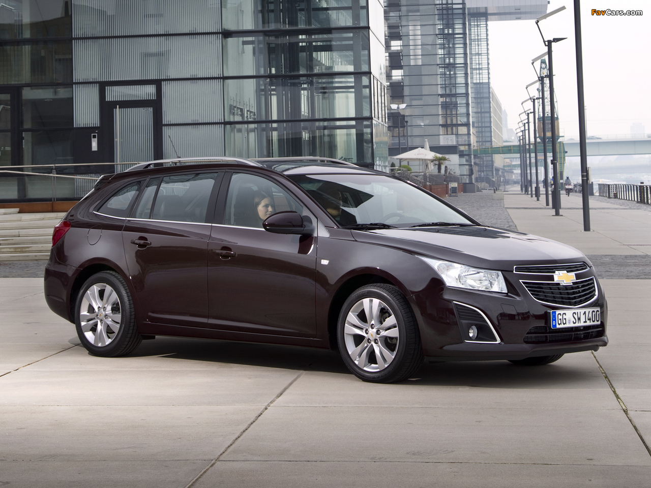 Images of Chevrolet Cruze Station Wagon (J300) 2012 (1280 x 960)