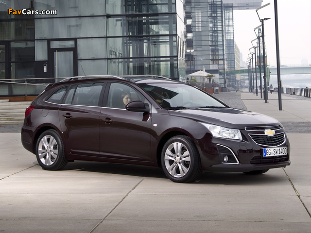 Images of Chevrolet Cruze Station Wagon (J300) 2012 (640 x 480)