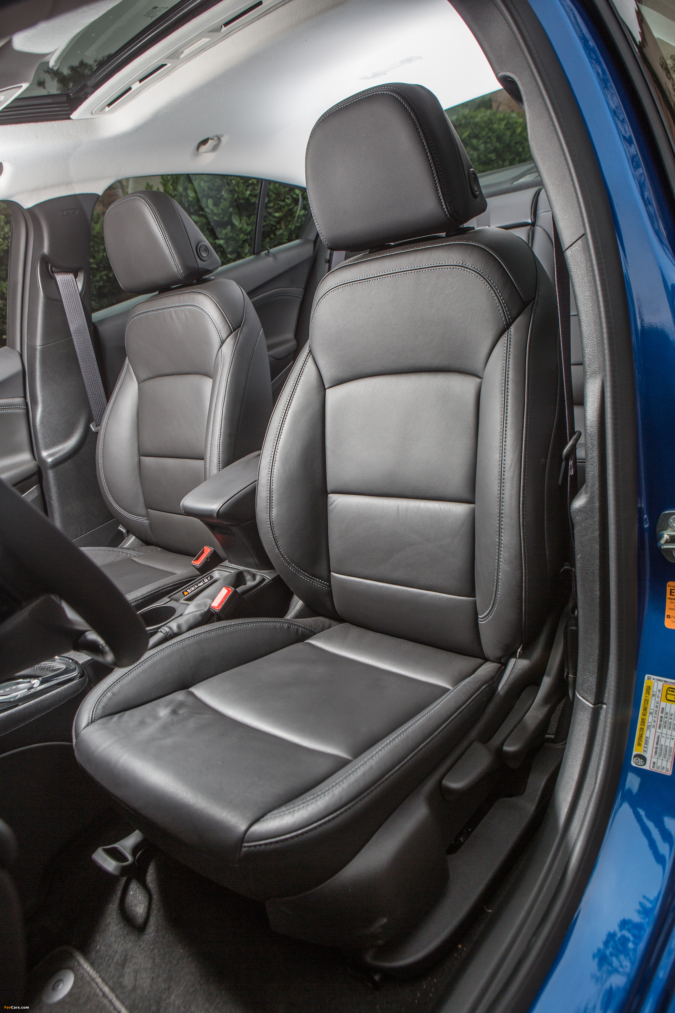 Images of Chevrolet Cruze Premier North America 2016 (2731 x 4096)