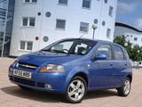 Chevrolet Kalos 5-door UK-spec (T200) 2003–08 wallpapers