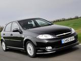 Chevrolet Lacetti Hatchback Sport UK-spec 2005–11 images