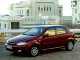 Images of Chevrolet Lacetti Hatchback 2004–12