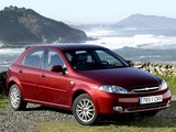 Photos of Chevrolet Lacetti Hatchback 2004–12