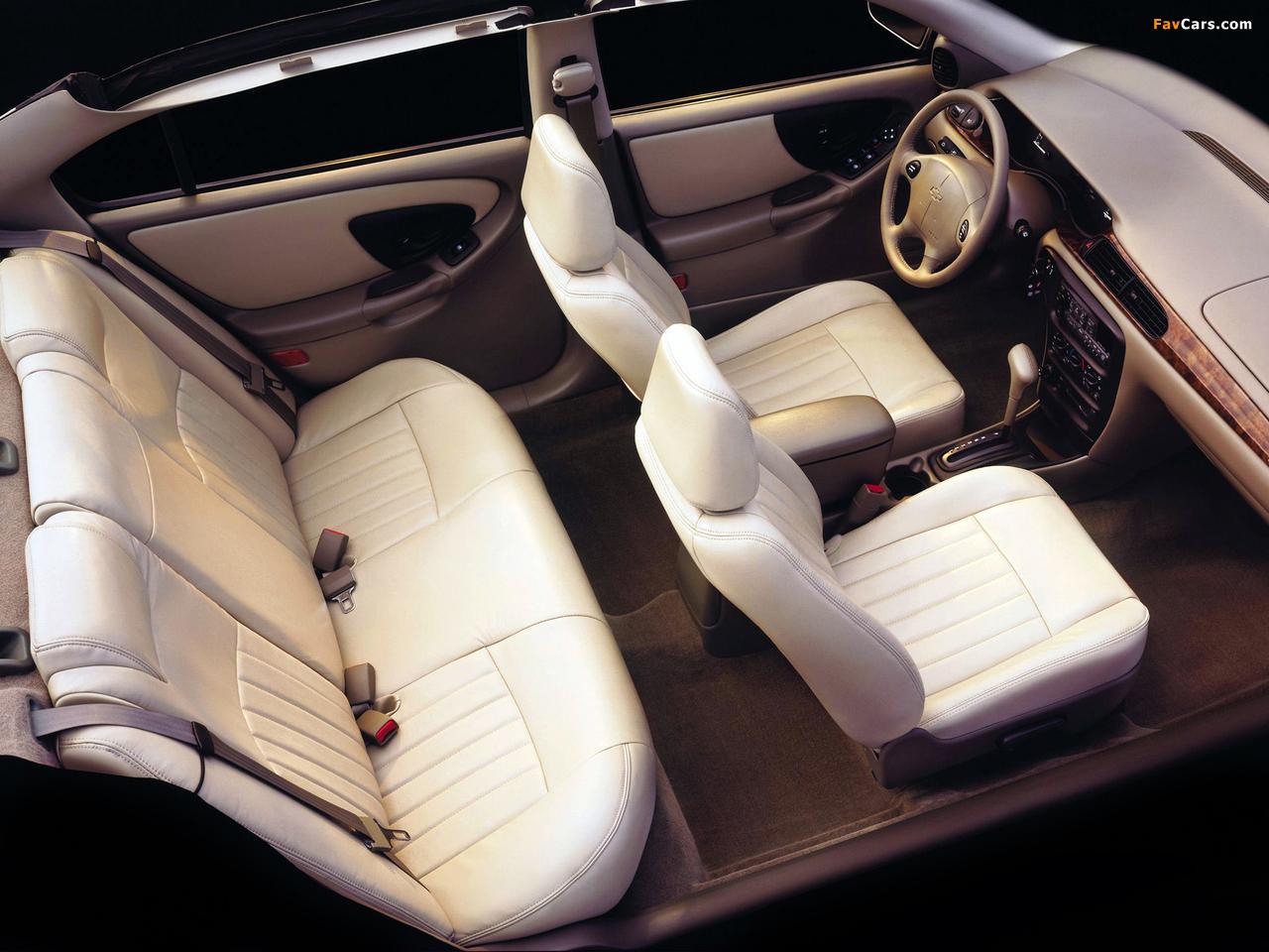 Chevrolet Malibu 2000–04 pictures (1280 x 960)