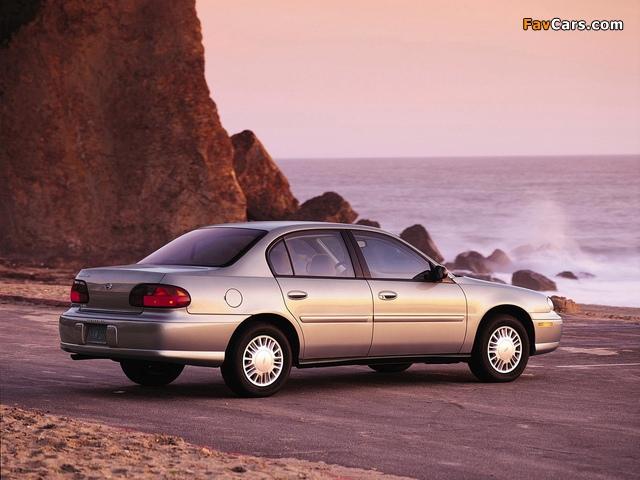 Photos of Chevrolet Malibu 2000–04 (640 x 480)