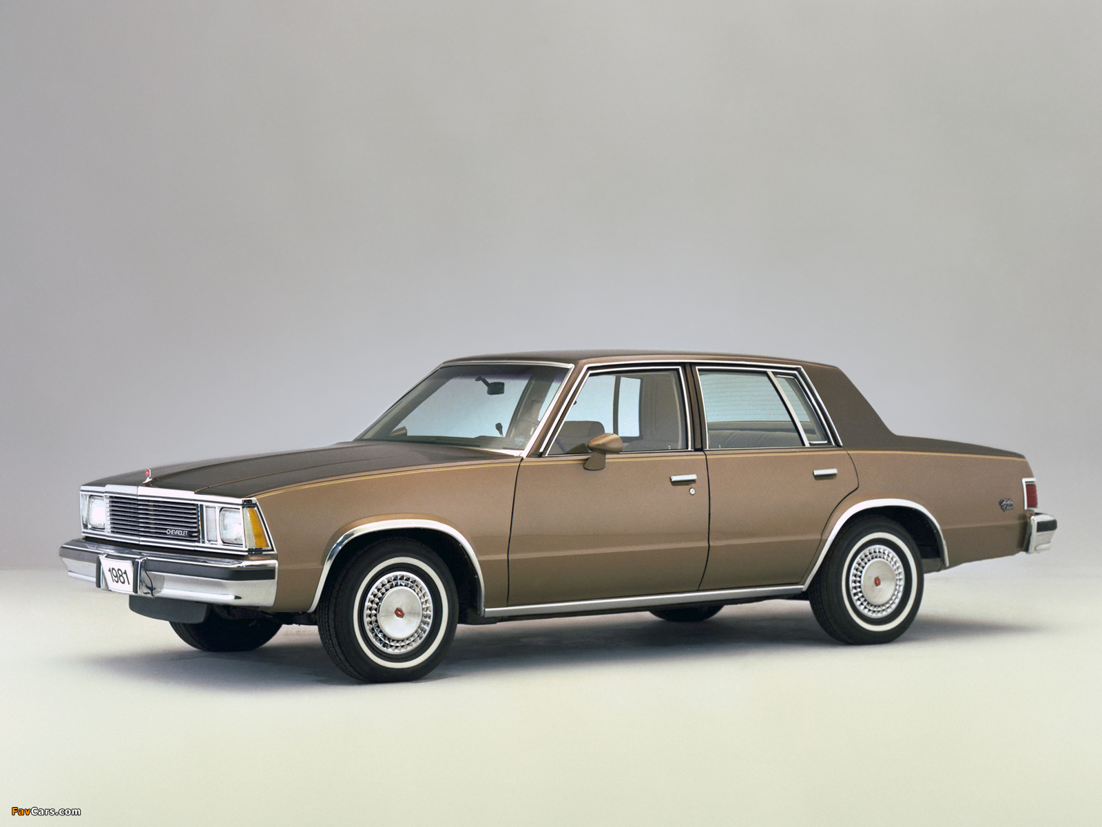 Pictures of Chevrolet Malibu Classic Sedan 1981 (1600 x 1200)
