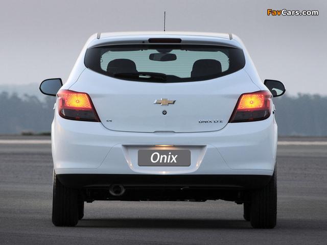 Photos of Chevrolet Onix 2012 (640 x 480)