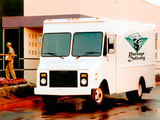 Chevrolet P30 Stepvan by Grumman Olson photos