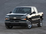 Chevrolet Silverado Extended Cab 2002–06 pictures