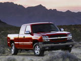 Photos of Chevrolet Silverado Extended Cab 2002–06