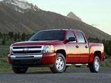Photos of Chevrolet Silverado Z71 Crew Cab 2007–13