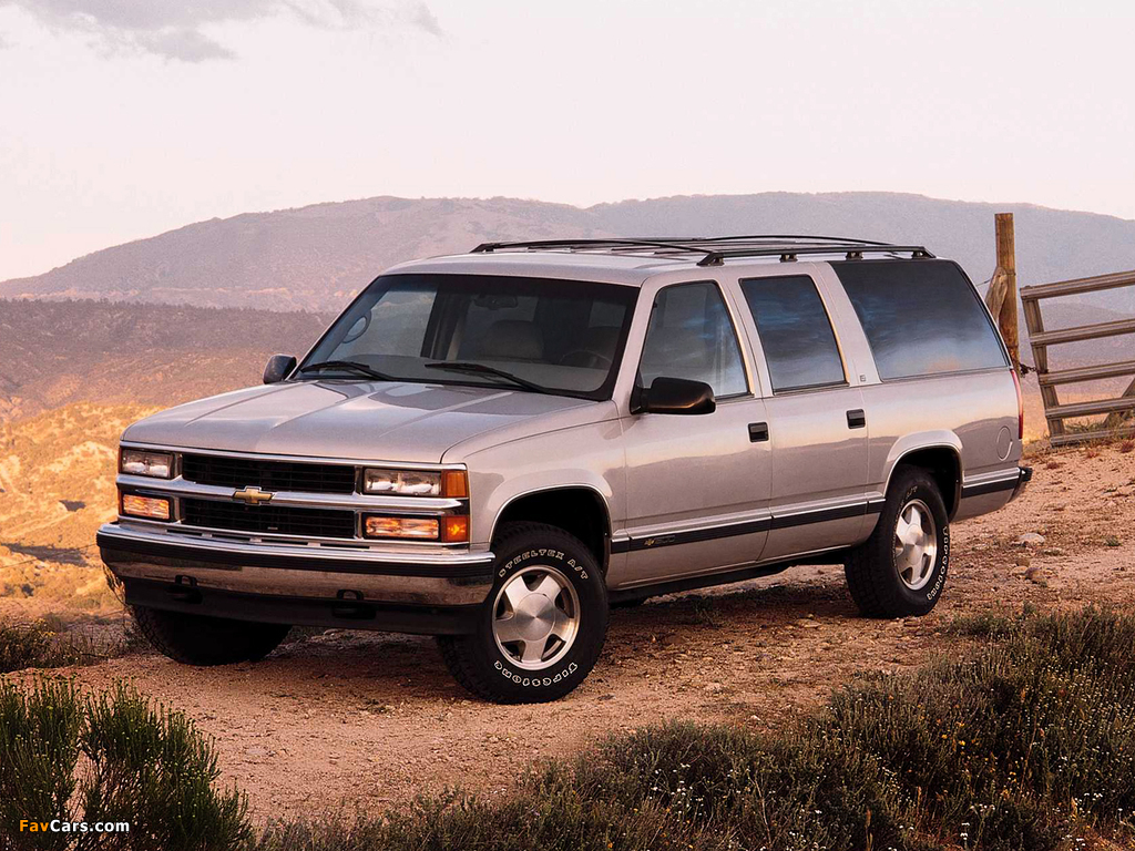 Chevrolet Suburban (GMT400) 1994–99 wallpapers (1024x768)