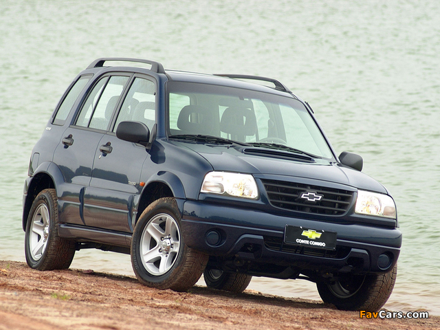 Chevrolet Tracker 2001–06 wallpapers (640 x 480)
