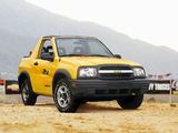 Images of Chevrolet Tracker Convertible 1999–2004