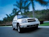 Photos of Chevrolet Tracker 1999–2004