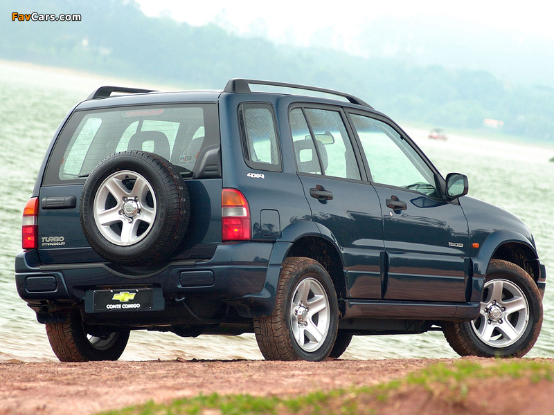 Pictures of Chevrolet Tracker 2001–06 (800 x 600)