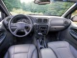 Pictures of Chevrolet TrailBlazer 2001–05