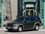 Chevrolet TrailBlazer 2001–05 wallpapers