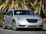 Images of Chrysler 200 2010