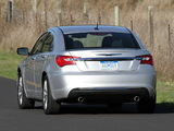 Photos of Chrysler 200 2010