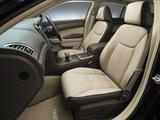 Chrysler 300C JP-spec 2012 pictures