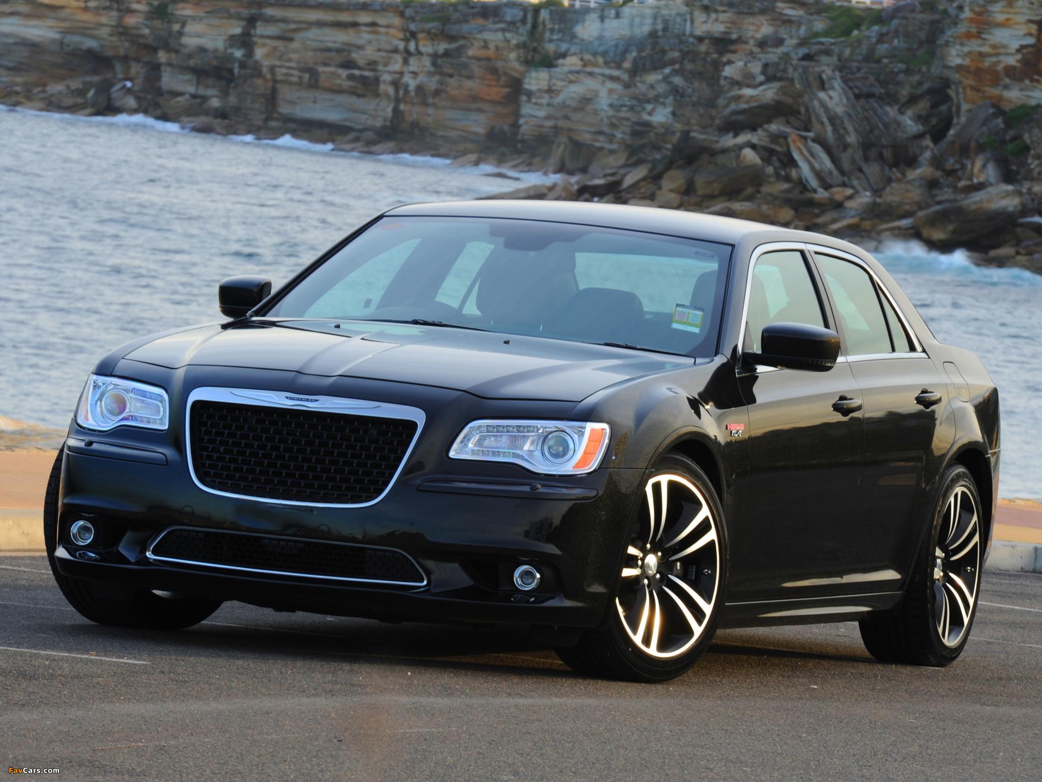 Images of Chrysler 300 SRT8 Core AU-spec 2013 (2048 x 1536)