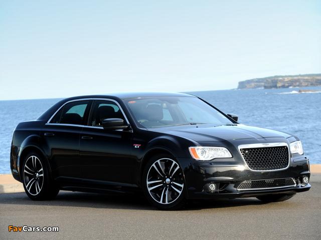 Images of Chrysler 300 SRT8 Core AU-spec 2013 (640 x 480)