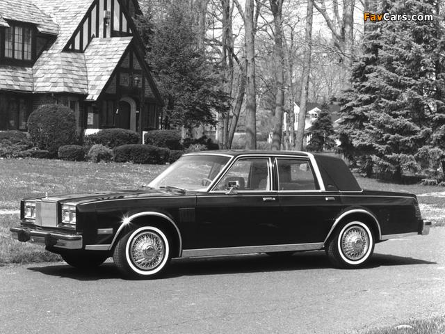 Chrysler New Yorker Fifth Avenue (FS41) 1983 photos (640 x 480)