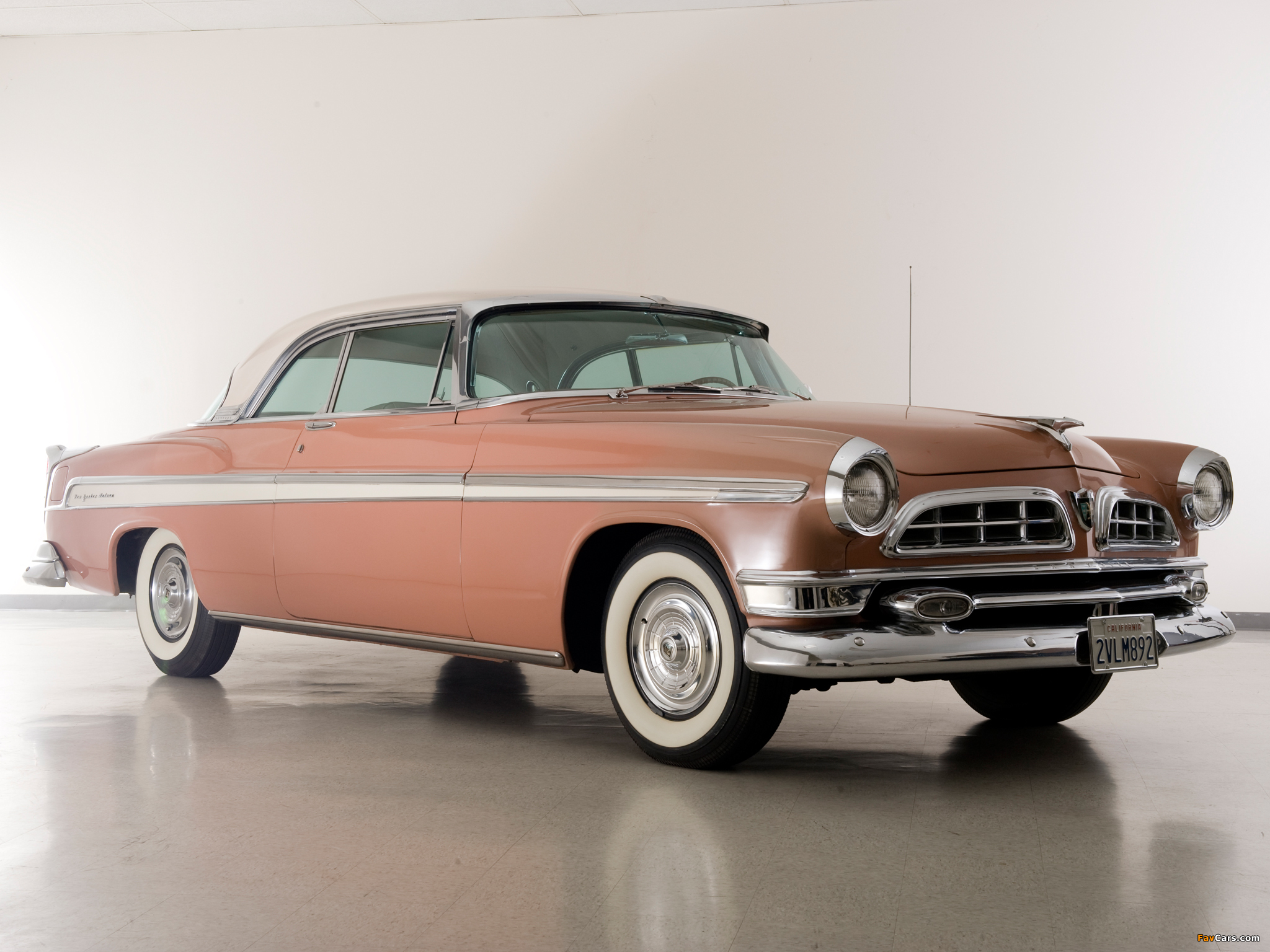Chrysler New Yorker Newport Hardtop Coupe 1955–56 images (2048 x 1536)