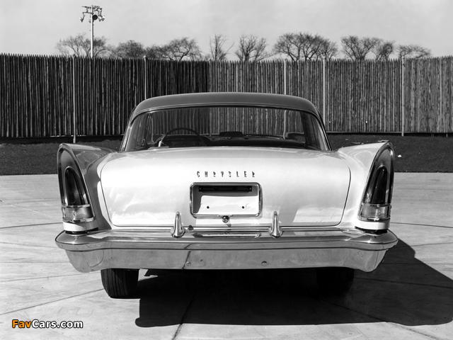 Pictures of Chrysler New Yorker Hardtop Sedan 1958 (640 x 480)