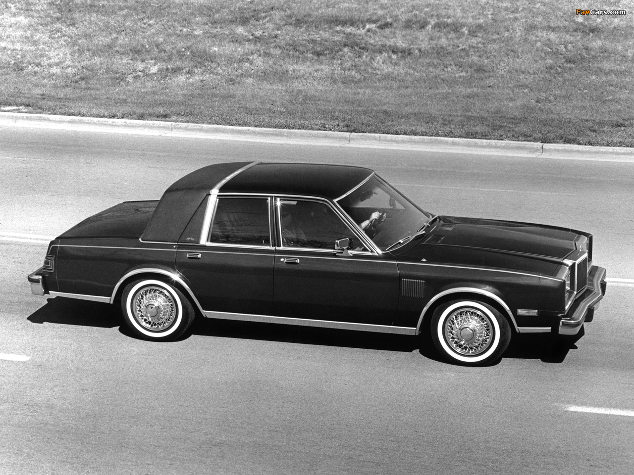 Pictures of Chrysler New Yorker Fifth Avenue Edition 1982 (1280 x 960)