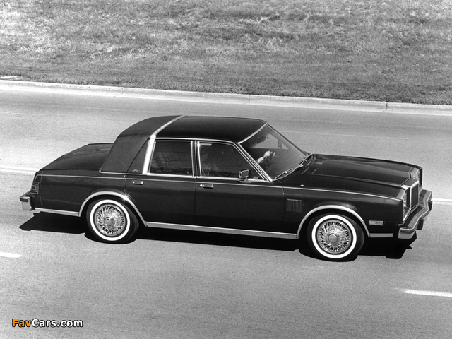 Pictures of Chrysler New Yorker Fifth Avenue Edition 1982 (640 x 480)