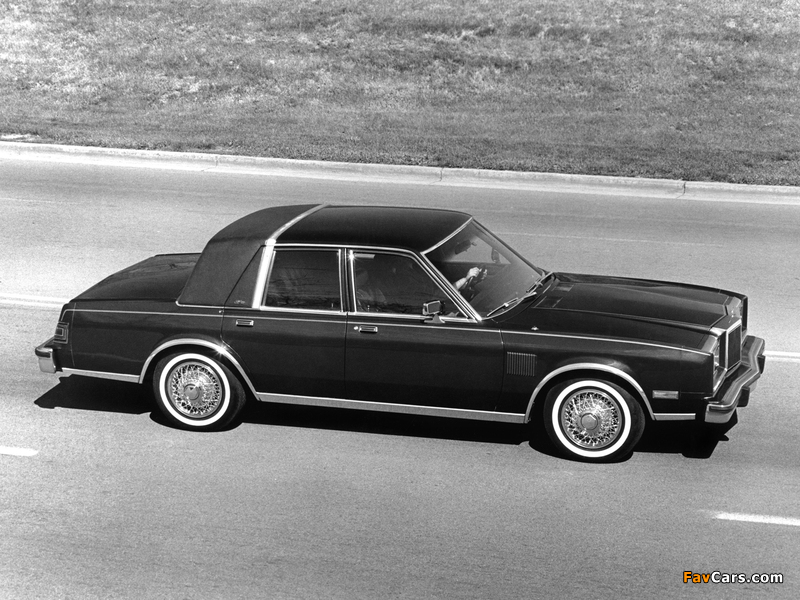 Pictures of Chrysler New Yorker Fifth Avenue Edition 1982 (800 x 600)