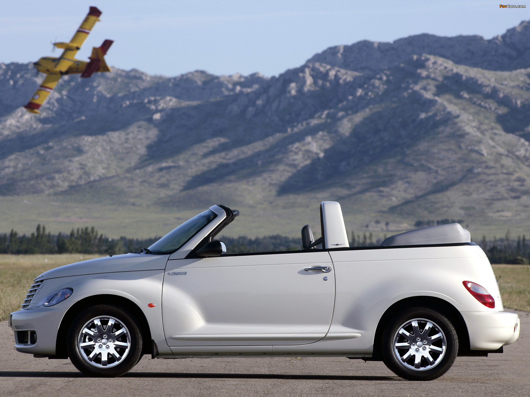 Pictures of Chrysler PT Cruiser Convertible 2006–07 (2048 x 1536)