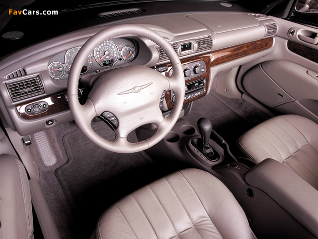 Chrysler Sebring Convertible 2001–04 pictures (640 x 480)