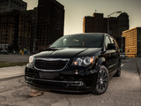 Chrysler Town & Country S 2012 images