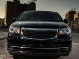 Chrysler Town & Country S 2012 photos