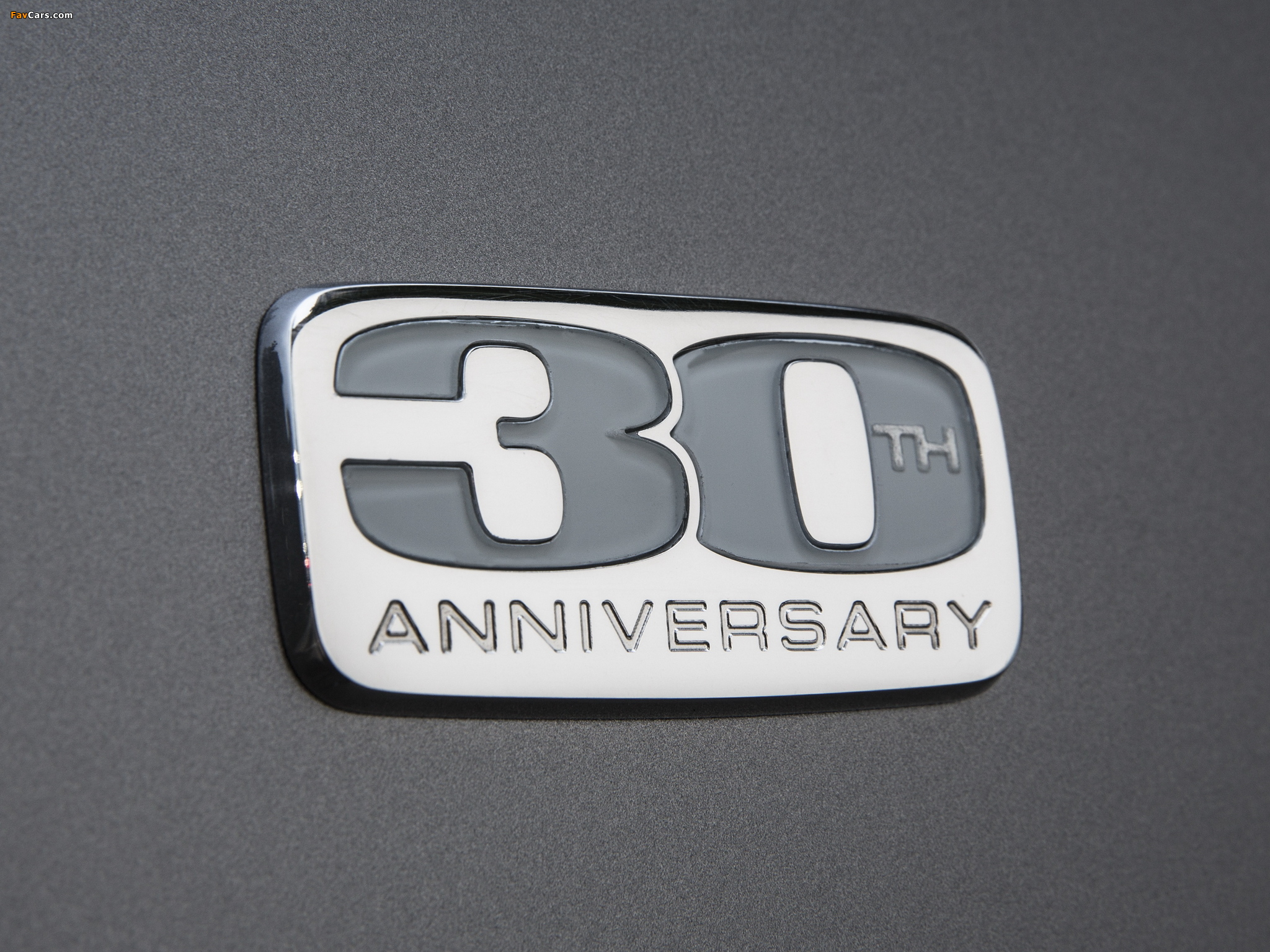 Chrysler Town & Country 30th Anniversary 2013 wallpapers (2048 x 1536)