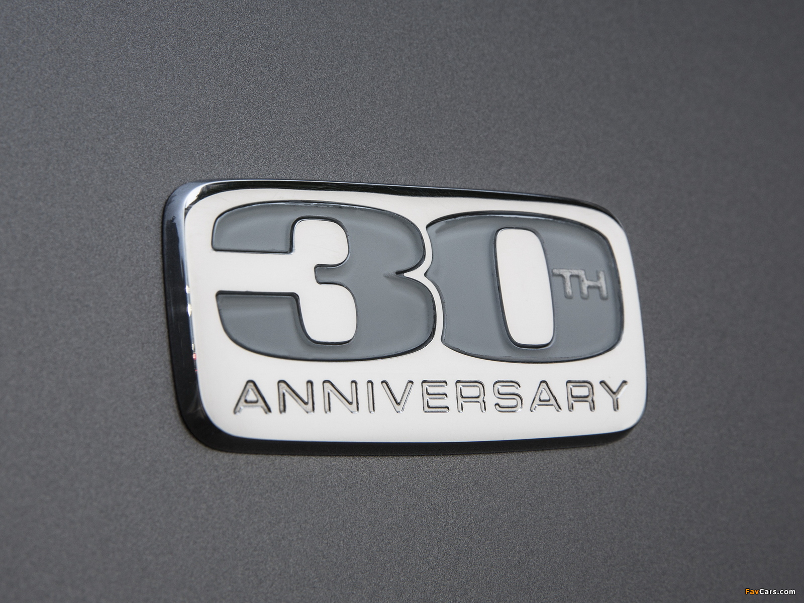 Chrysler Town & Country 30th Anniversary 2013 wallpapers (1600 x 1200)