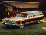 Chrysler Town & Country Station Wagon 1976 images