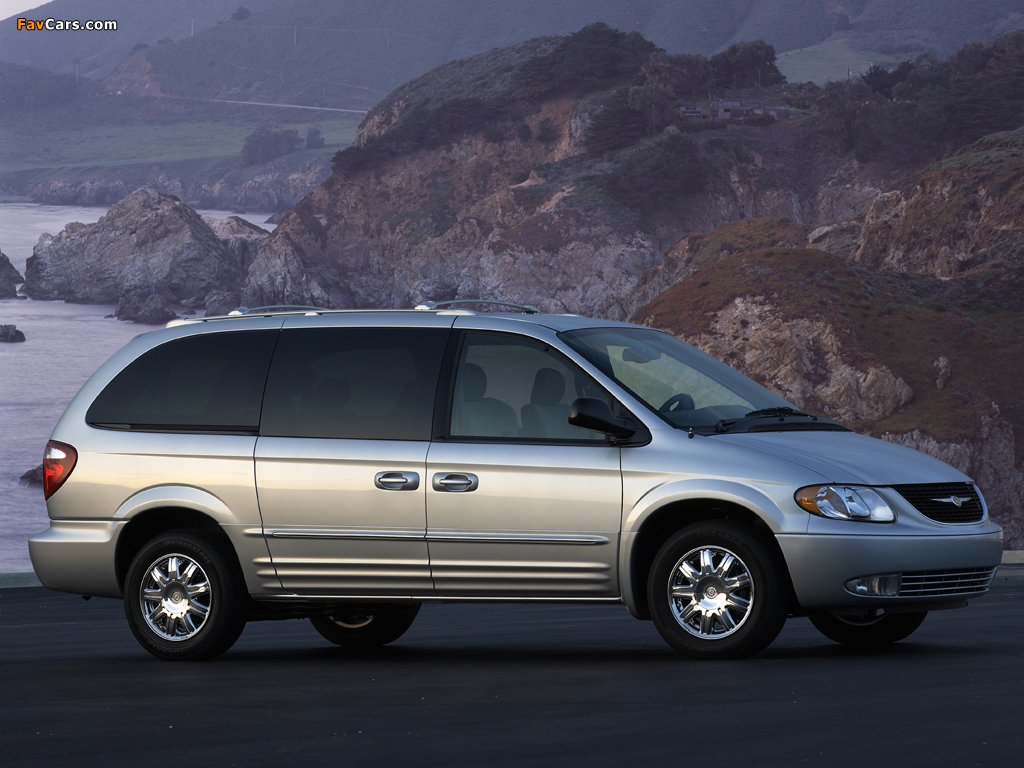 Chrysler Town & Country 2000–04 pictures (1024 x 768)