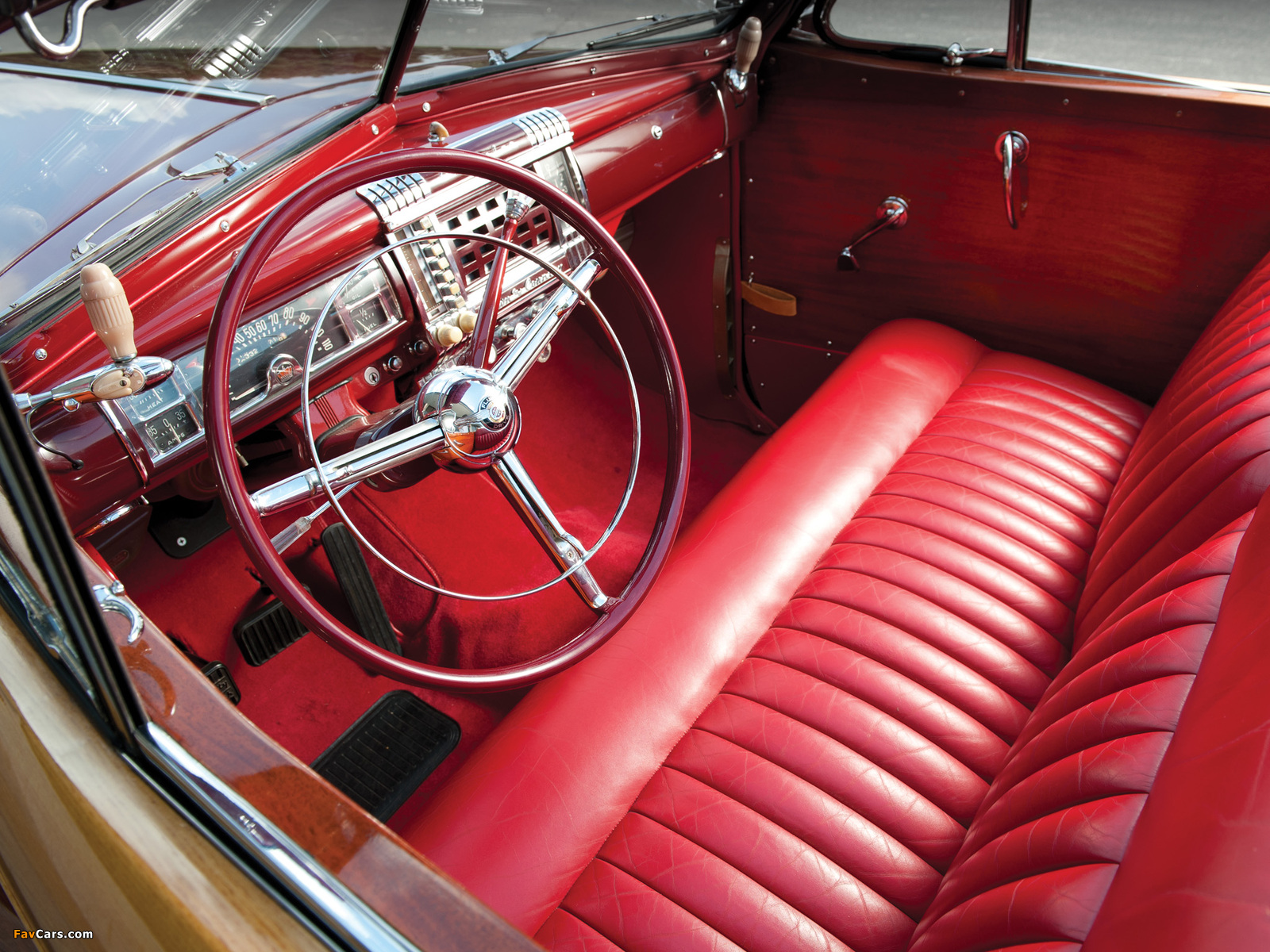 Images of Chrysler Town & Country Convertible 1946 (1600 x 1200)