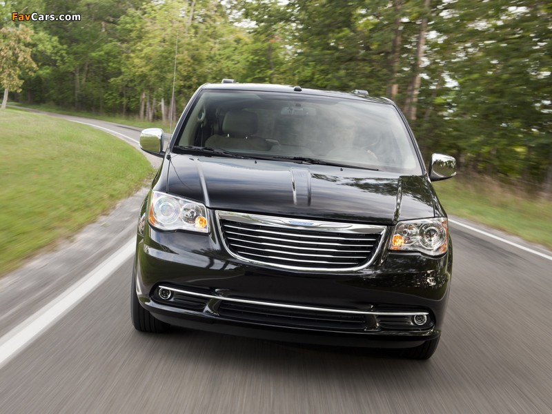 Images of Chrysler Town & Country 2010 (800 x 600)