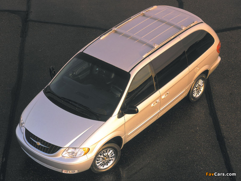 Images of Chrysler Town & Country 2000–04 (800 x 600)