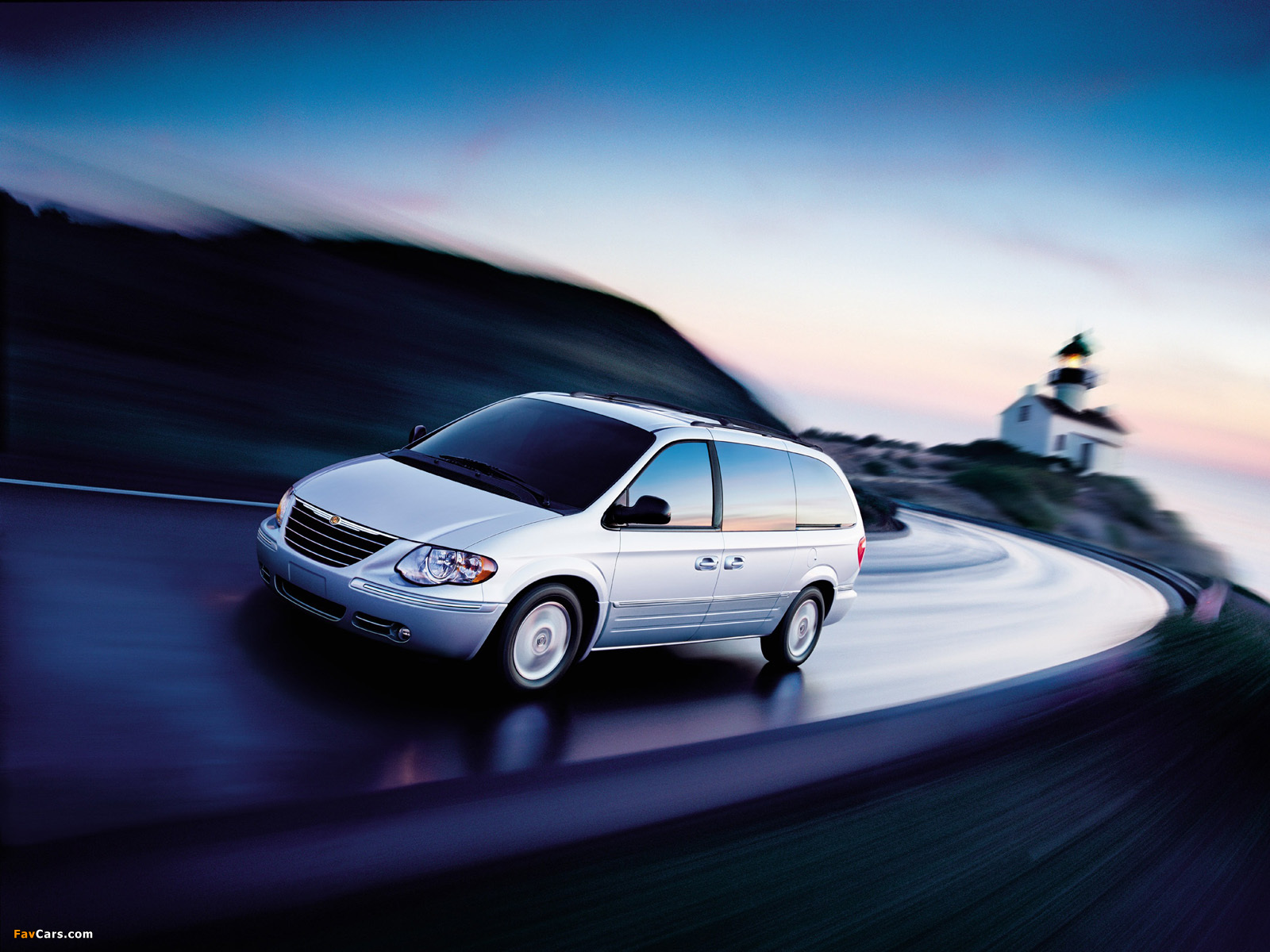 Images of Chrysler Town & Country 2004–07 (1600 x 1200)