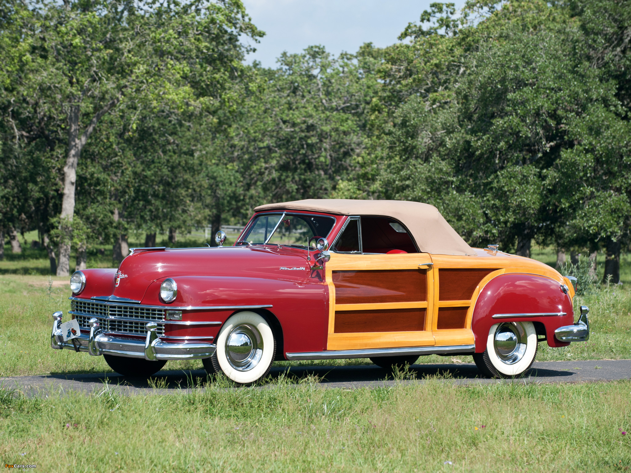 Pictures of Chrysler Town & Country Convertible 1946 (2048 x 1536)