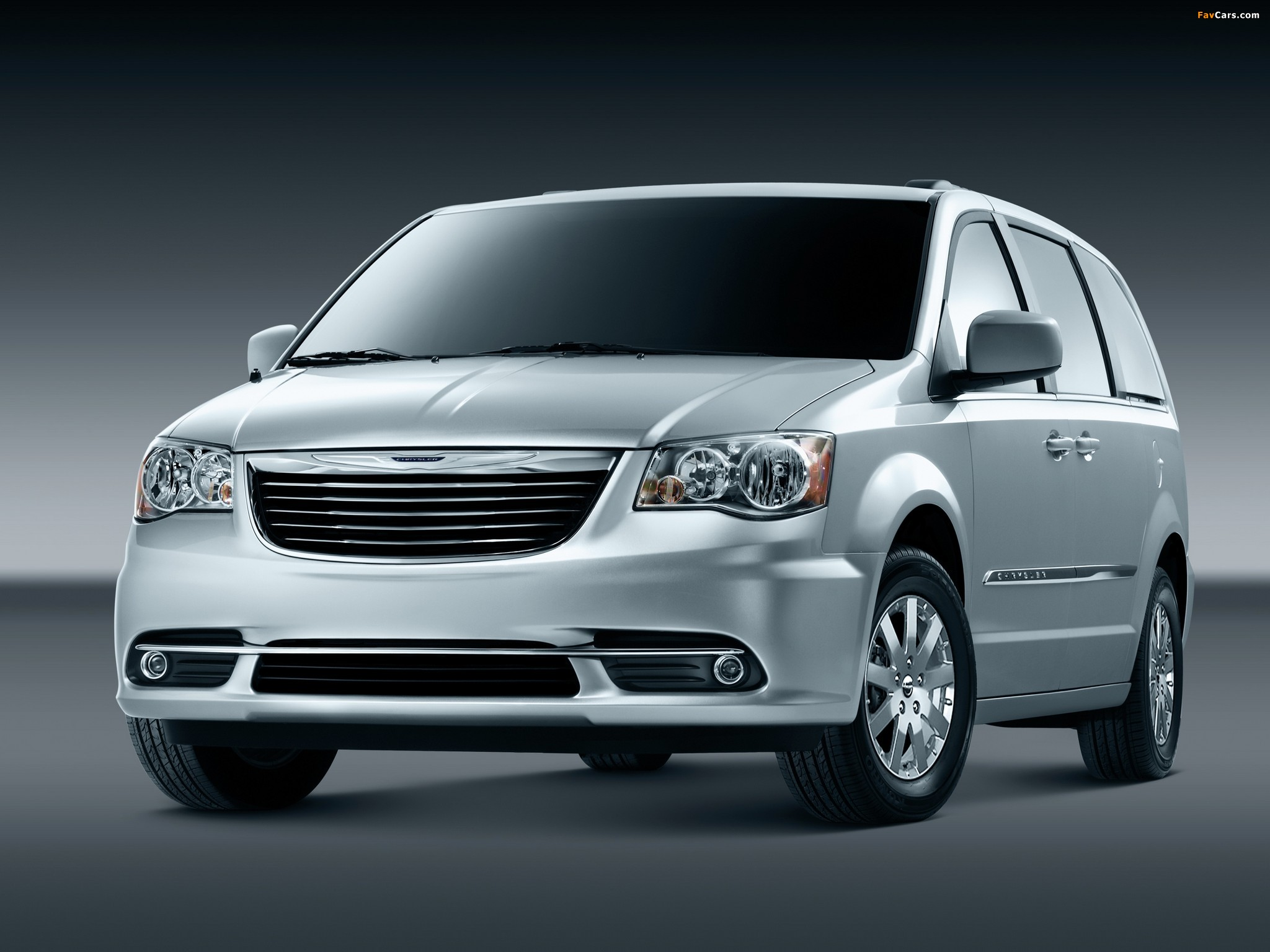 Pictures of Chrysler Town & Country 2010 (2048 x 1536)