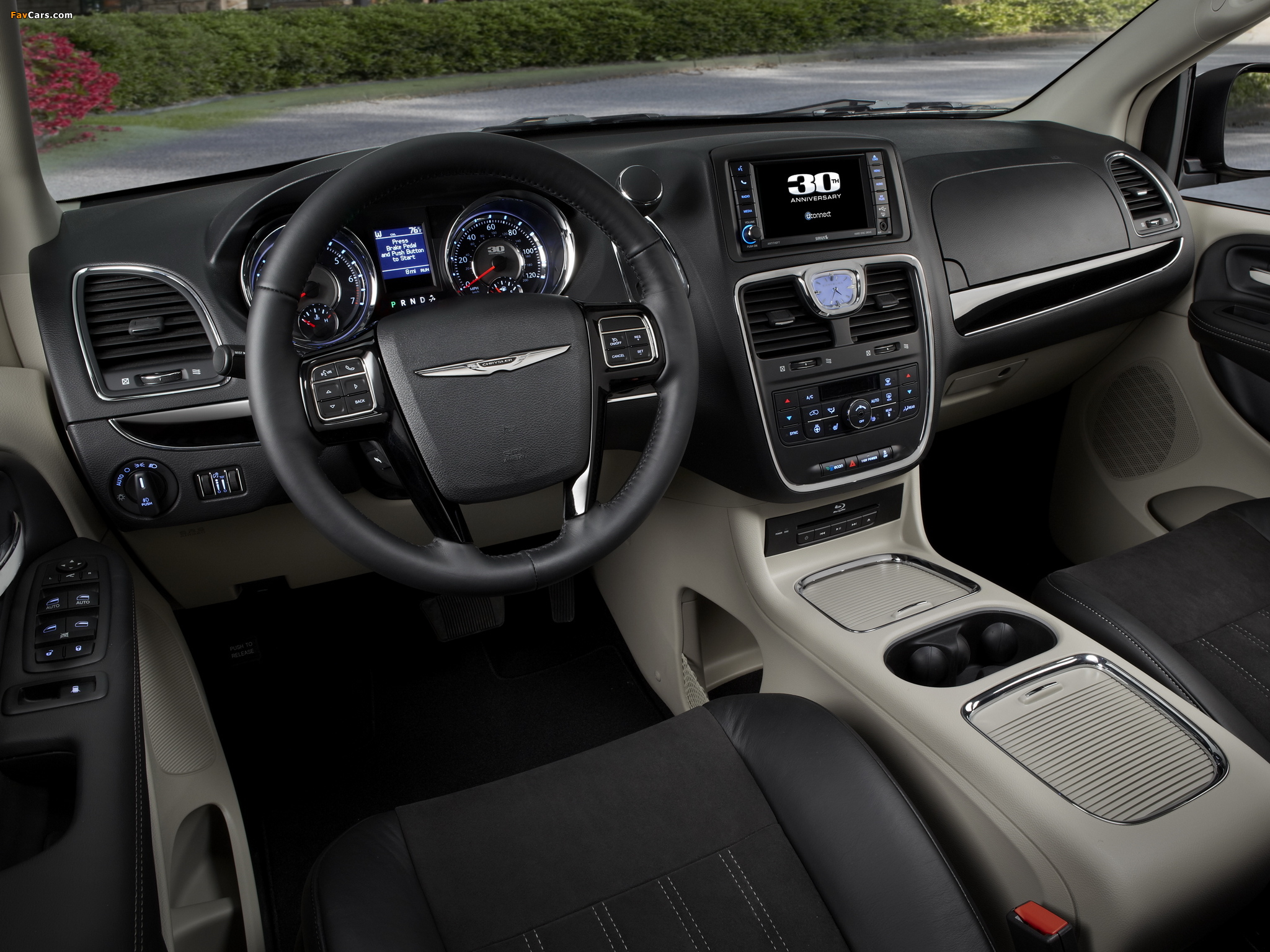 Pictures of Chrysler Town & Country 30th Anniversary 2013 (2048 x 1536)