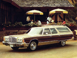 Pictures of Chrysler Town & Country Station Wagon 1976