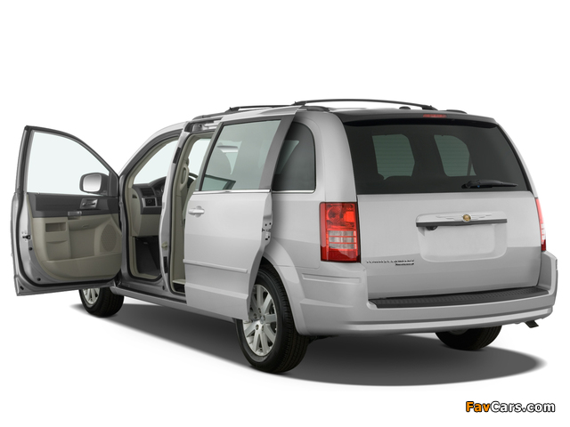Chrysler Town & Country 2007–10 wallpapers (640 x 480)
